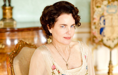 Downton Abbey karatasi la kupamba ukuta called Cora, Countess of Grantham