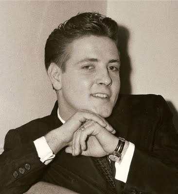 Rock'n'Roll Remembered वॉलपेपर containing a business suit called Eddie Cochran