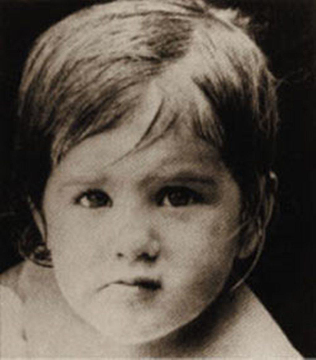 Jennifer Aniston as child