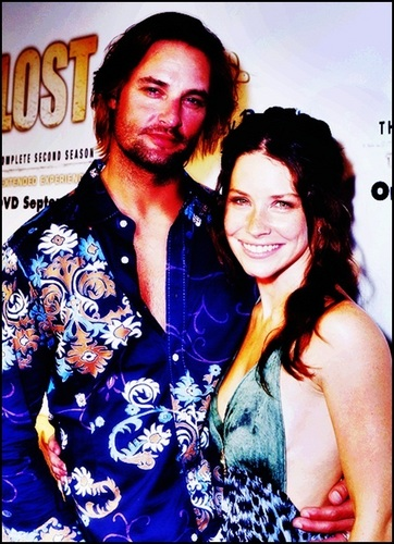 TV Couples پیپر وال possibly containing a portrait called Josh Holloway & Evangeline Lilly