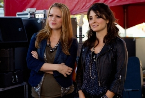 Life Unexpected - Episode 2.05 - Music Faced - Promotional Photos {OTH & LUX Crossover} : - life-unexpected Photo