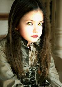 Mackenzie Foy as Reneesme