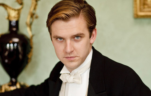 Downton Abbey wallpaper probably with a business suit called Matthew Crawley