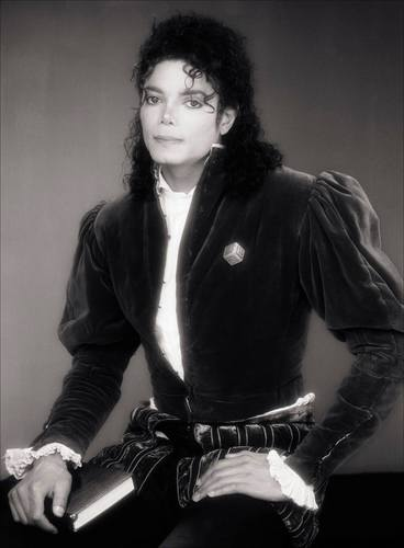 Michael Jackson wallpaper probably with a well dressed person, an outerwear, and a hip boot called Michael Jackson - Black and White