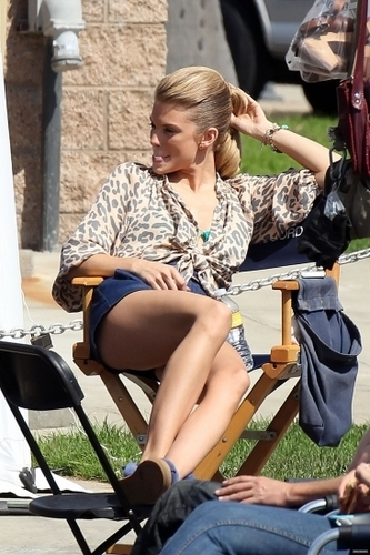 On The Set of 90210 Season 3 > 2010-10-01