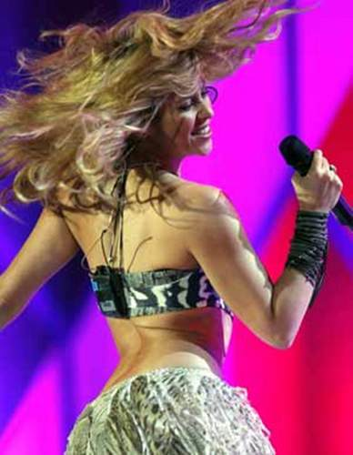 SHAKIRA FLEXIBLY BODY