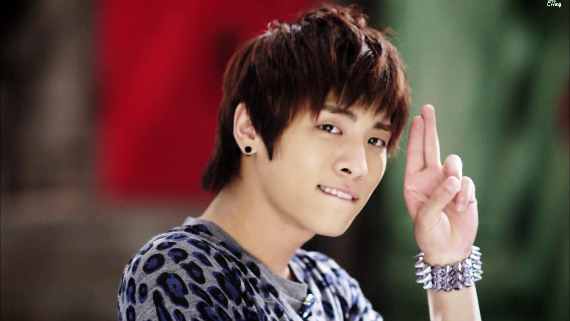 SHINee _ Hello ^^ - Shinee Photo (15933356) - Fanpop Shinee Taemin Hello
