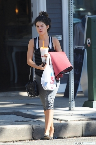 Shenae out in LA