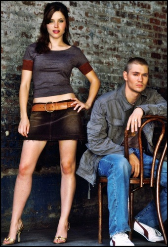 Brooke Davis پیپر وال probably with a street, a hip boot, and a sign entitled Sophia بش & Chad Michael Murray