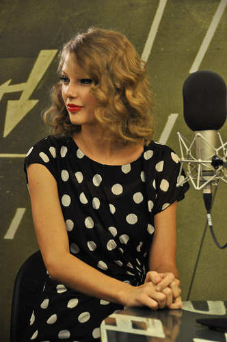 Taylor at Radio Deejay - Milan