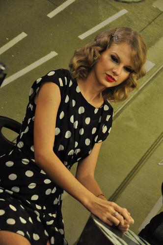 Taylor at Radio Deejay - Milan