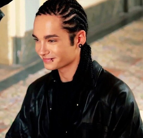 Tom Kaulitz wallpaper possibly with an outerwear and a portrait titled **//Tom Kaulitz//**