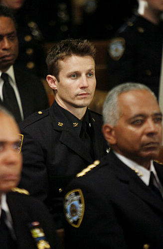 1x04 - Officer Down - Promotional foto-foto