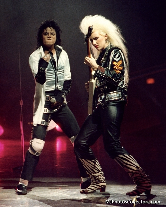 Michael Jackson Hintergrund With A Hip Boot Called Dirty Diana