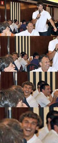 Fernando Llorente wallpaper probably with a reading room and a brasserie titled Fernando Llorente & Javi Martinez