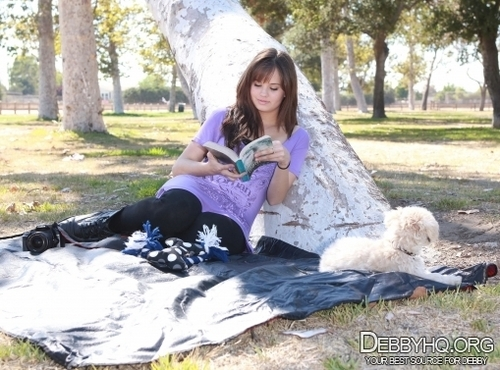 In the park with Presley,taking foto together(September 23,2010)