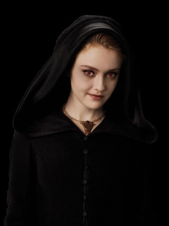 Jane of the Volturi wallpaper containing a cloak and a capote entitled Jane - Eclipse