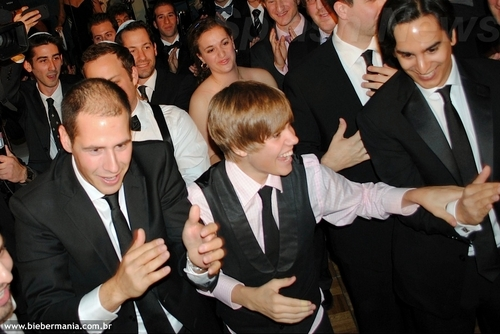 Justin Bieber at wedding Dan Kanter 3 October 2010