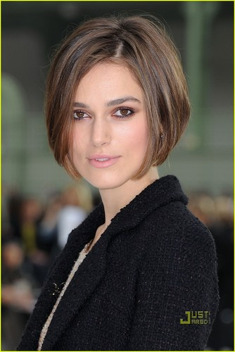 Keira Knightley پیپر وال containing a portrait called Keira Knightley: Beautiful Bob!