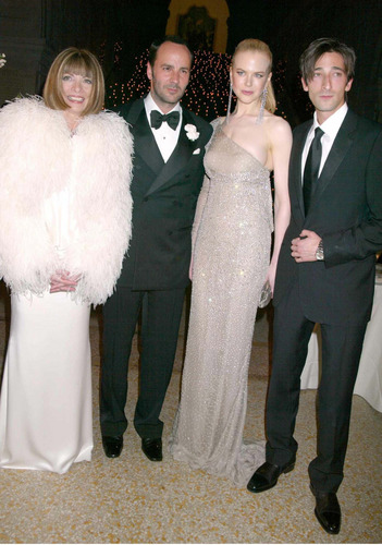 Nicole with Tom Ford, Anna Wintour and Adrian Brody