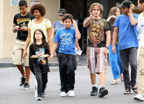 Paris Jackson with her Family in Vegas