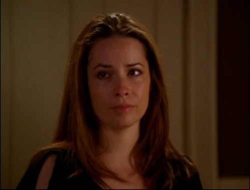 Piper Halliwell 壁纸 with a portrait titled Piper Halliwell (Forever Charmed)