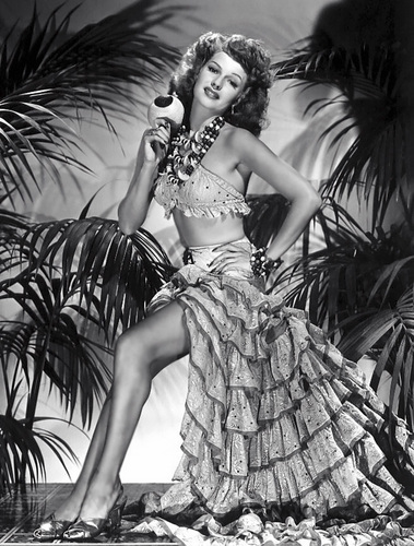 Rita Hayworth wallpaper probably containing a dinner dress and a bridesmaid entitled Rita Hayworth