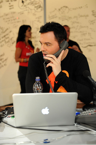 Seth MacFarlane & Backstage @ the 2010 Stand Up 2 Cancer Telethon