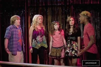 Sonny With A Chance Episode Stills 2x17 A So aléatoire Halloween Special
