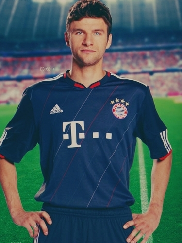 Thomas Müller photoshoot