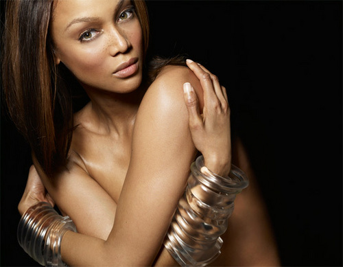Tyra Banks wolpeyper possibly containing skin called Tyra Is Skinderella
