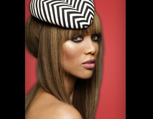 Tyra Banks wolpeyper possibly containing a portrait called new pics