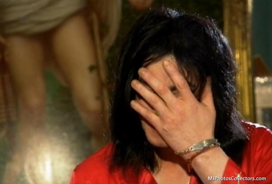 Living With Michael Jackson...love u my angel +.+