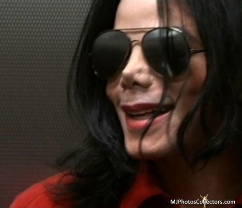 Living With Michael Jackson...love آپ my angel +.+
