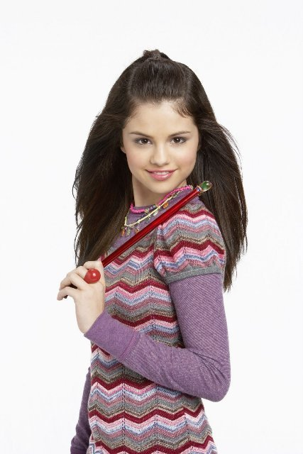 Hogwarts is magic Alex-Russo-alex-russo-16110450-427-640