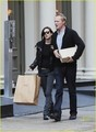 Jennifer Connelly & Paul Bettany: Shop 'Til You Drop!