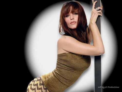 Jennifer Garner wallpaper probably with a portrait entitled Jennifer Garner