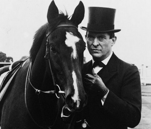 Jeremy Brett Hintergrund with a dressage, a horse trail, and a steeplechaser, hindernisläufer entitled Jeremy Brett