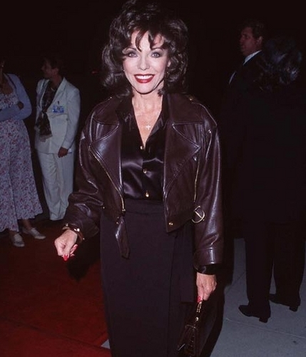 Joan Collins at the Premiere Of Michael Collins