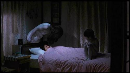 Asian Horror cine fondo de pantalla with a living room entitled Ju-On