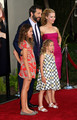 Judd with Leslie Mann & daughters Maude & Iris Apatow @ Funny People Premiere - 2009