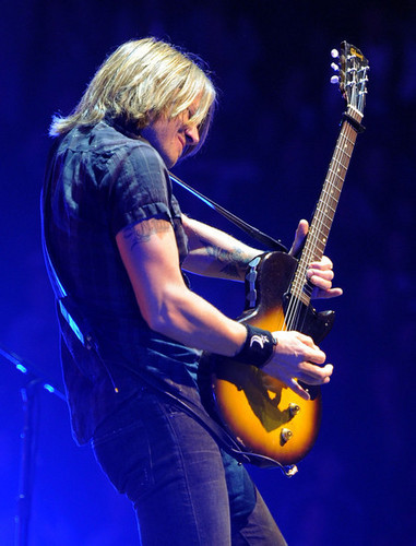 Keith Urban - We're All For The Hall Benefit buổi hòa nhạc
