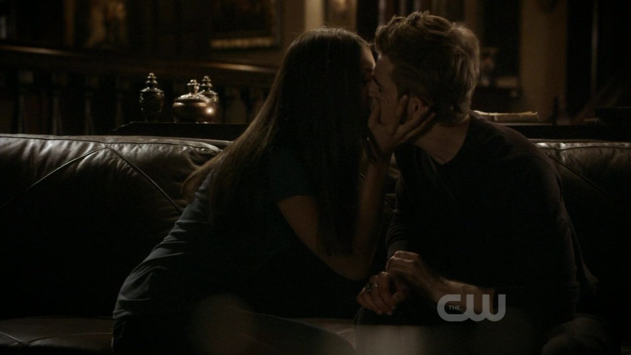 "[DE] ""I'm forever yours, Faithfully"" [Chapitre 7 posté] Kill-Or-Be-Killed-2x05-Screencaps-stefan-and-elena-16110146-1280-720"