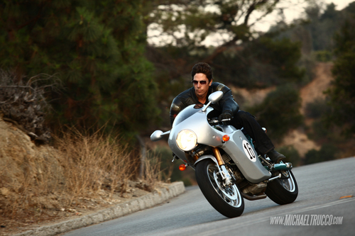 Michael Trucco wolpeyper containing a motorcycle cop, a motorcycling, and a motorsiklista entitled Michael Trucco