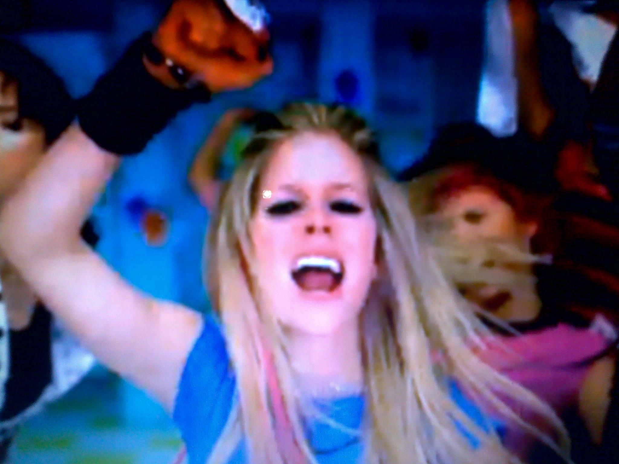 Avril dating