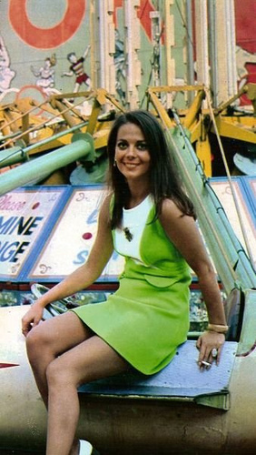 Natalie Wood Hintergrund probably with bare legs entitled Natalie