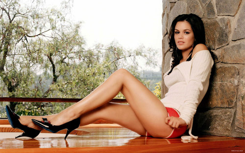 Rachel Bilson wallpaper probably containing tights titled Rachel <3
