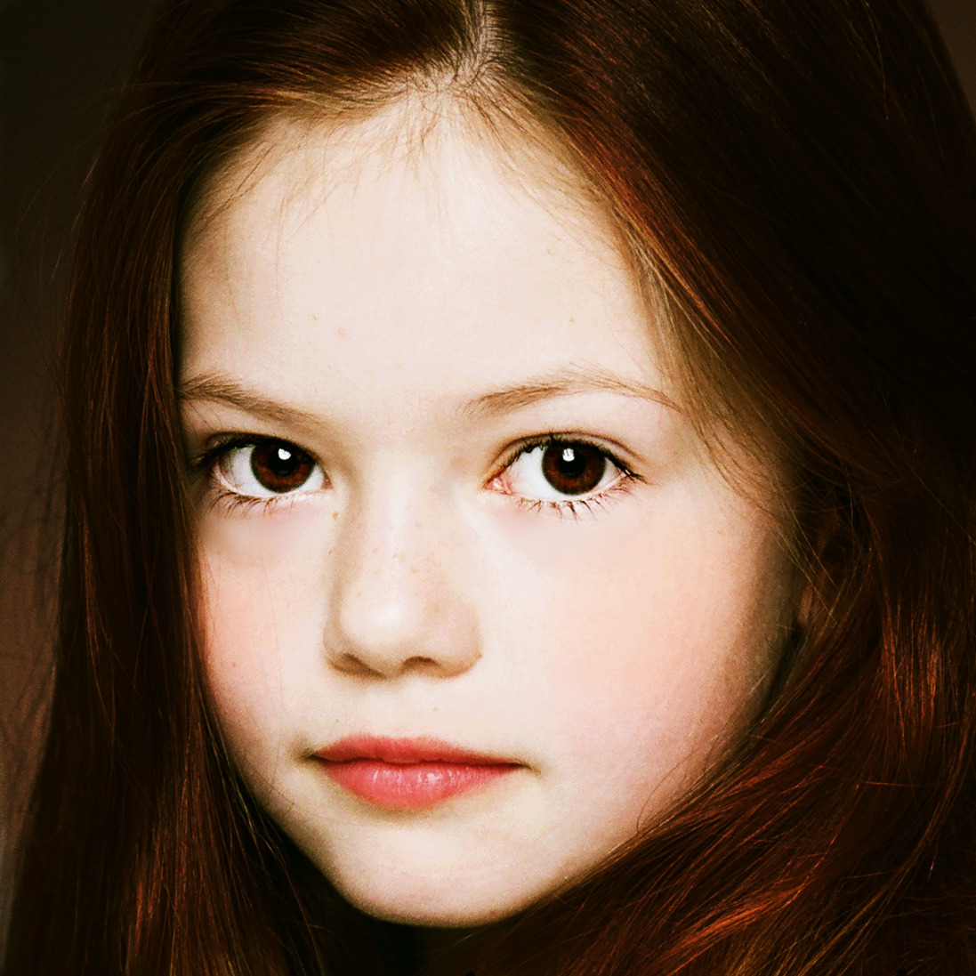 Mackenzie Foy - Gallery Photo