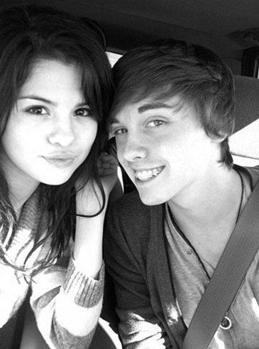 Selena :))
