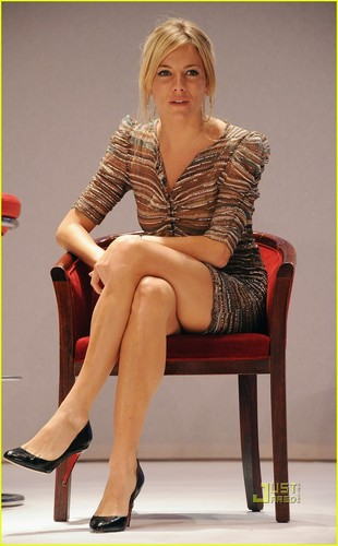 Sienna Miller: Esquire House LA Host!